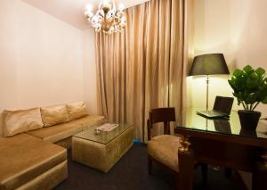 Hotel Aura, Отели  Нью-Дели - big - 88