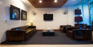 Hotel Aura, Отели  Нью-Дели - big - 79