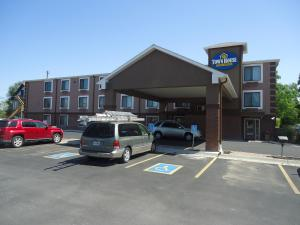 TownHouse Extended Stay Hotel Downtown - Lincoln