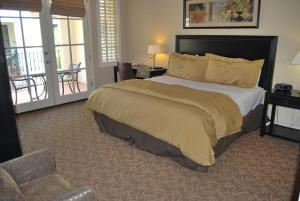 Three-Bedroom Upstairs Villa Unit 358 by Reynen Luxury Homes, Apartments  La Quinta - big - 9