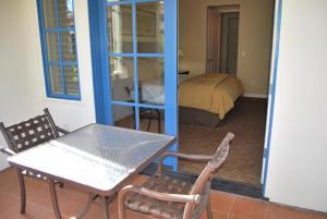 Three-Bedroom Upstairs Villa Unit 358 by Reynen Luxury Homes, Apartments  La Quinta - big - 11