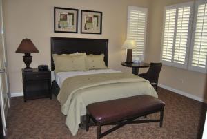 Three-Bedroom Upstairs Villa Unit 358 by Reynen Luxury Homes, Apartments  La Quinta - big - 6