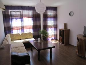 Martin Apartment, Apartments  Varna City - big - 8