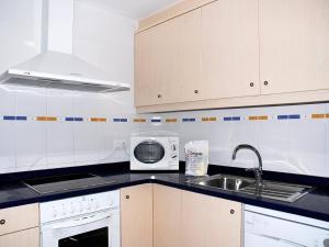 Apartamentos Mestral, Апартаменты  Ла-Эскала - big - 10