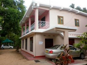 Luxman Guest House