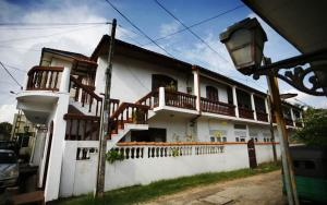 Beach Haven Guest House (Mrs Wijenayake's Guest House)