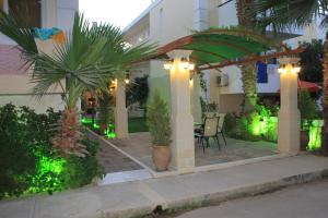 Varvaras Diamond Hotel, Apartmánové hotely  Platanes - big - 17