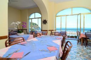 Hotel Terme Marina, Szállodák  Ischia - big - 36