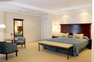Executive Junior Suite Provincial Plaza Hotel