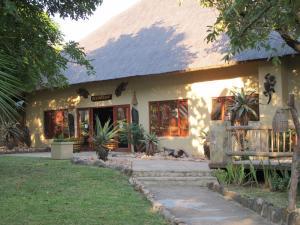 Timbavati Safari Lodge, Lodge  Mbabat - big - 13
