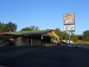 Budget ZZZZ Motel, Motelek - Cleveland
