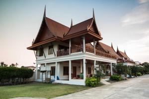 Thaihome Resort - Salaya