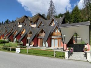 Alberti - Condominio Villa Golf - AbcAlberghi.com