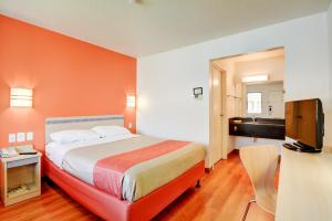 Motel 6 Hartford - Southington, Hotel  Southington - big - 17