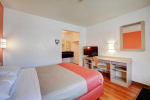 Motel 6 Hartford - Southington, Szállodák  Southington - big - 47