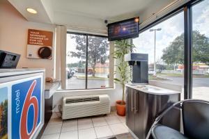 Motel 6 Hartford - Southington, Szállodák  Southington - big - 41