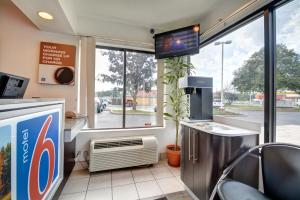 Motel 6 Hartford - Southington, Hotel  Southington - big - 24