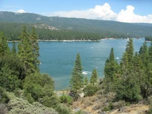 Manzanita Cabin - Bass Lake, Дома для отпуска  Окхерст - big - 7