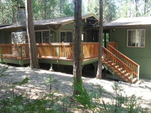 Manzanita Cabin - Bass Lake, Дома для отпуска  Окхерст - big - 9