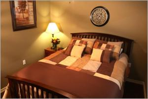 __{offers.Best_flights}__ Eagles Den Suites at Three Rivers