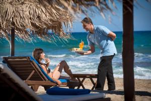 Bella Beach Hotel, Rezorty  Hersonissos - big - 35