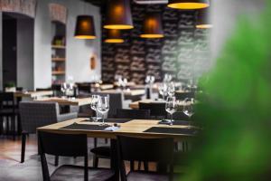 Qbatura Cafe Hotel