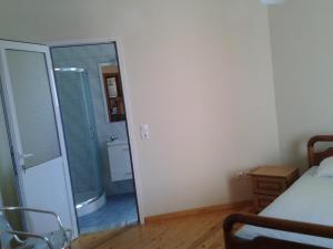 Magic Ionian Apartments & Rooms, Guest houses  Himare - big - 47