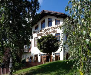 Hostales Baratos - Reit-und Sporthotel Nordmann