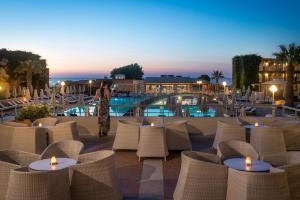 Bella Beach Hotel, Rezorty  Hersonissos - big - 41