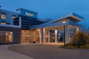 Radisson Hotel & Conference Center Calgary Airport East - Calgary