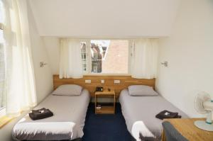 Standard Double Room with Shared Bathroom and Toilet Hotel Villa Margaretha