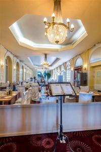 Hôtel Le Royal Promenade des Anglais, Hotel  Nice - big - 26