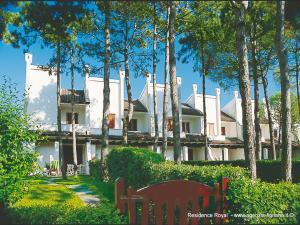 Villa a Lignano Pineta - AbcAlberghi.com