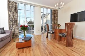 Royal Athenaeum Suites - Hotel - Aberdeen
