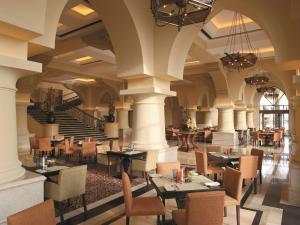 Shangri-La Hotel Qaryat Al Beri (29 of 46)