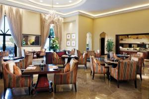 Shangri-La Hotel Qaryat Al Beri (17 of 46)