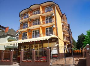 Отель Камелия