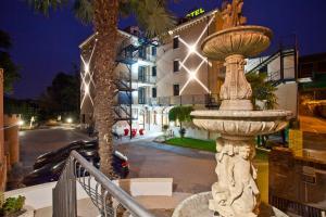 Momis Hotel