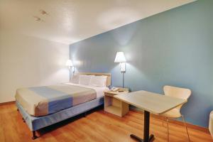Motel 6 Newport Rhode Island, Hotels  Newport - big - 27