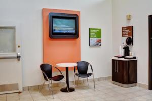 Motel 6 Newport Rhode Island, Hotels  Newport - big - 9