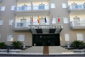 Hotel Luxor - Caivano