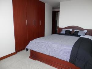 Maycris Apartment El Bosque, Apartmanok  Quito - big - 6