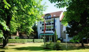 Parkhotel Klüschenberg - Hof Karbow