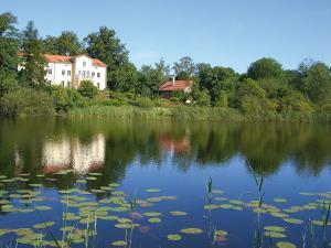 Villa am Trumpf - Individuelle Ferienwohnungen am See - Gerswalde