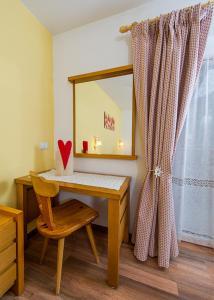 Majon Vajolet - Apartments Luisa, Apartmanok  Vigo di Fassa - big - 3