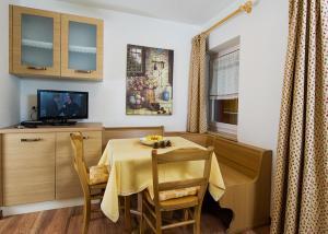 Majon Vajolet - Apartments Luisa, Apartmanok  Vigo di Fassa - big - 19