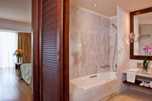 Kontokali Bay Resort & Spa (6 of 120)