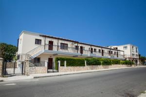Crystallo Apartments, Apartmanok  Páfosz - big - 13