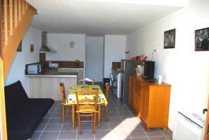 Location gîte, chambres d'hotes Gite le Mas de l'Amandier dans le département Vaucluse 84