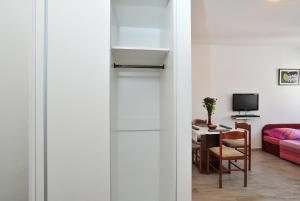 Studio Hana, Apartments  Zadar - big - 7